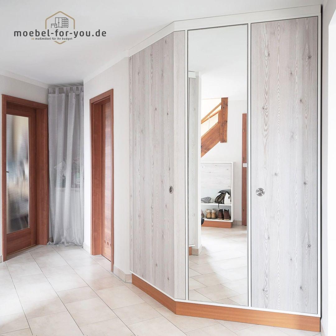 Flurgarderobe Am Raumdesign Angepasst Flurgarderobe Garderobe Garderobenschrank Furniture Wooddesign Flurschrank Homede Home Home Decor Room Divider