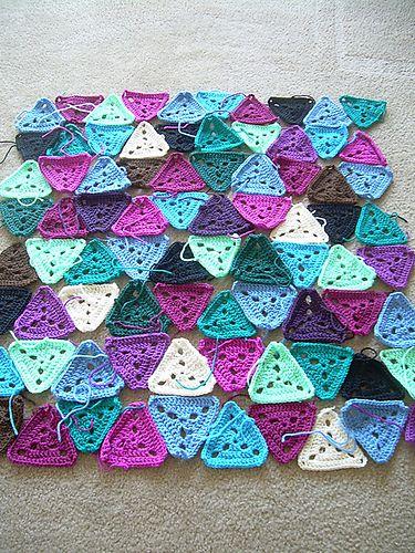 Ravelry: Project Gallery for Triangle Baby Blanket pattern by Elín Guðrúnardóttir