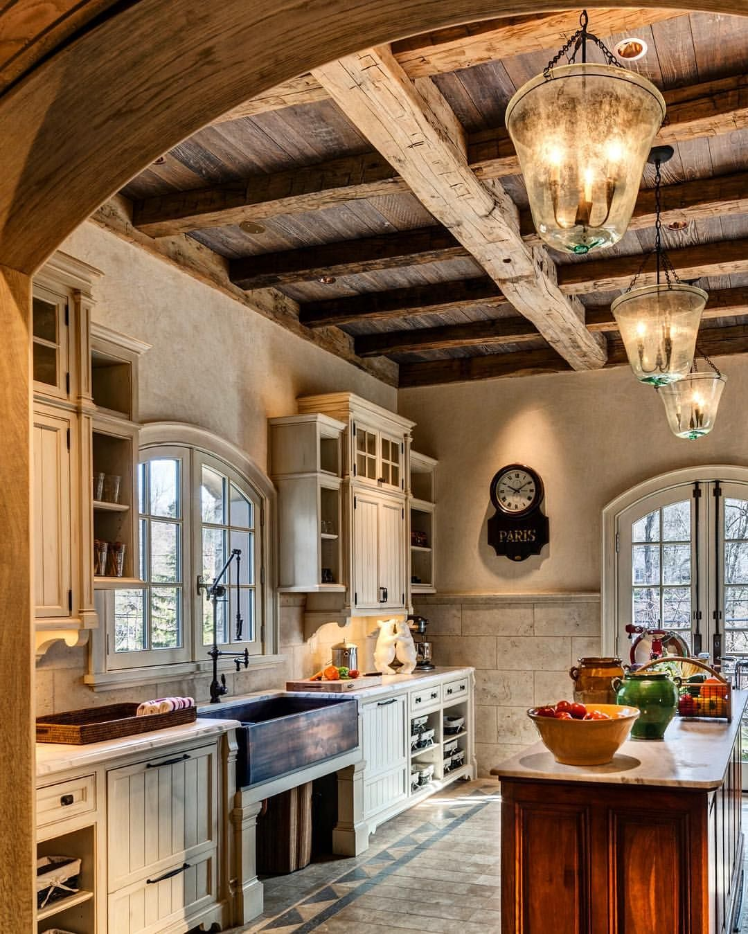 Charming Rustic Kitchen Ideas And Inspirations: Rustic And Elegant Kitchen.