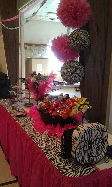 Zebra hot pink birthday party ideas pink birthday for 13th birthday decoration ideas