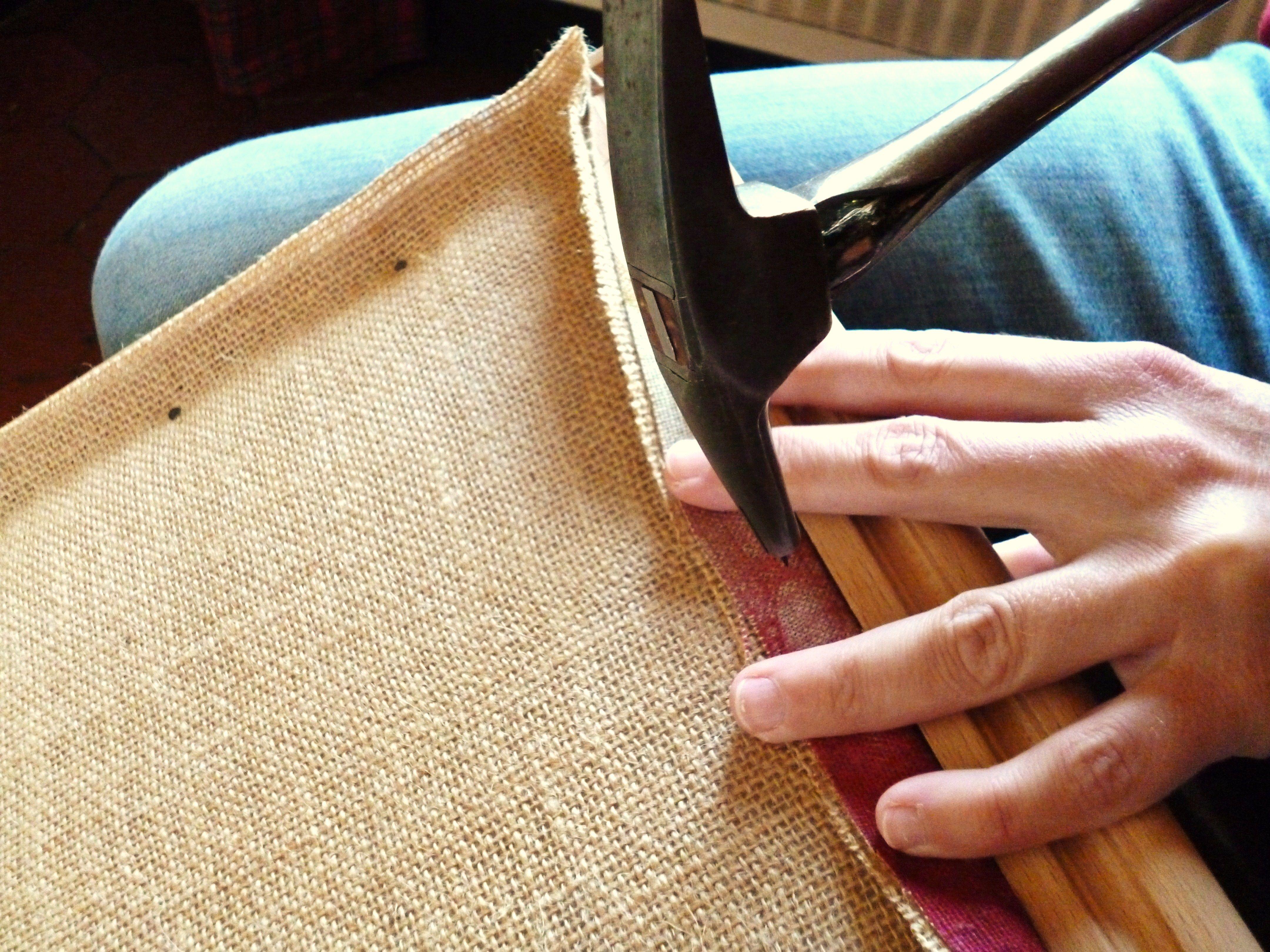 tapissier d corateur tapisserie d 39 ameublement toile forte outils tapissier semences de. Black Bedroom Furniture Sets. Home Design Ideas