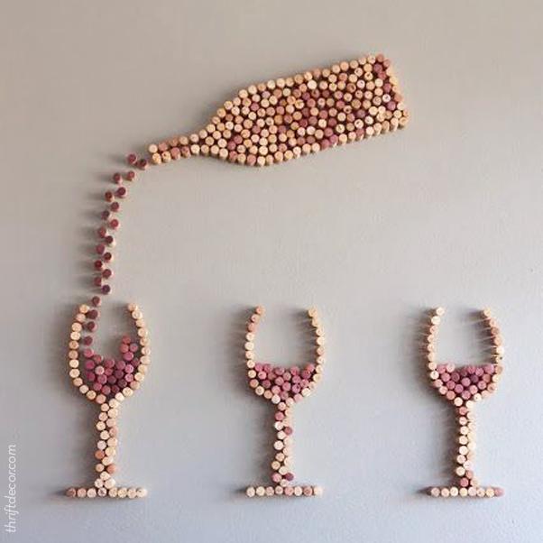 Sobre decorar a casa com vinho e amor (que são praticamente a mesma coisa)! #decor #wine #vinho #amor #rolha