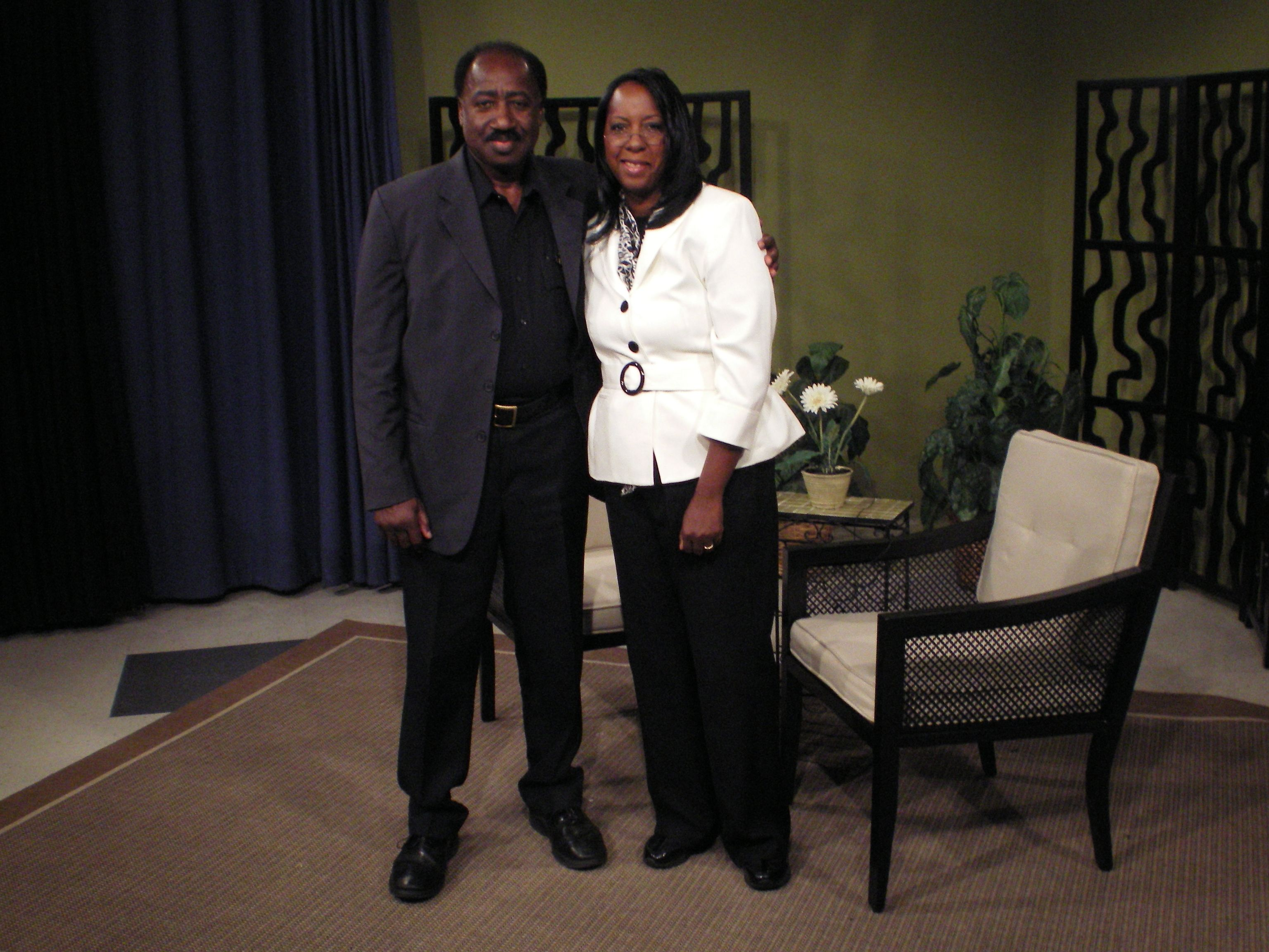 Newark Police Chaplain Sgt Leslie Jones Talked About The Various Services His Department Offers To Newark Residents On I Leslie Jones Tv Shows Police Chaplain