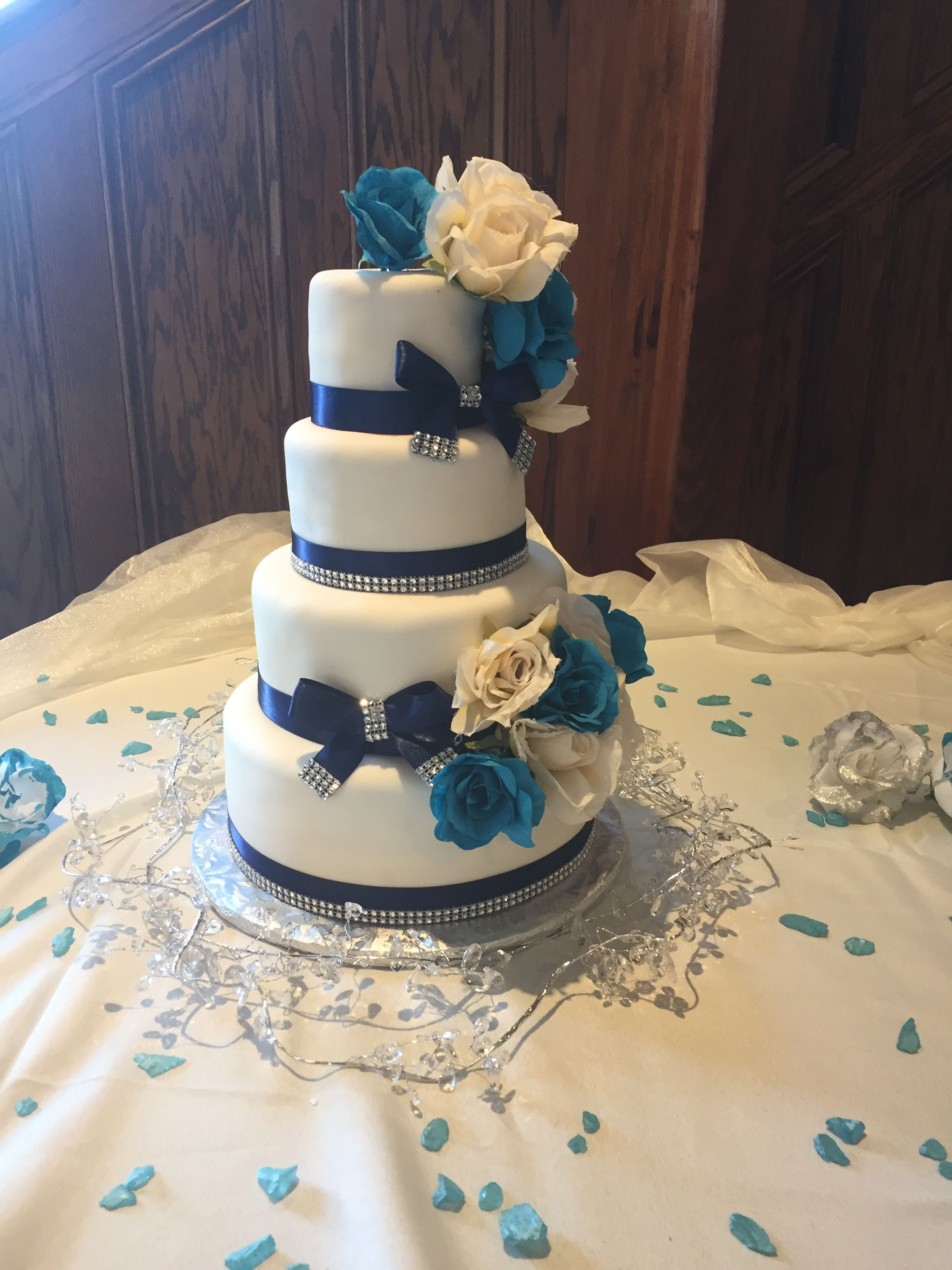 Wedding Cakes Indianapolis   Blooms And Batter Wedding Cakes And Floral Creations Indianapolis
