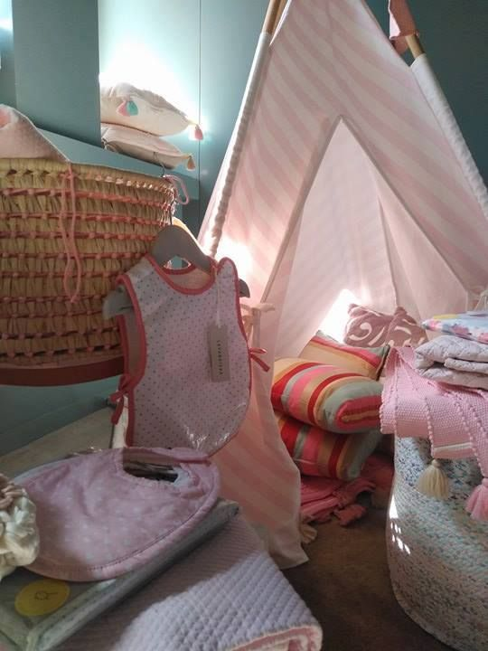 #mercadoloftstore #mls #umseisum #decor #decoração #interior #kids #kidsroom #criança #quartodecriança #lavandiska #baby #bebé #tenda #tent #pink #babete #pillow #pattern #alcofa #colcha #easterkids