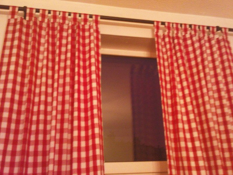 Charming Sammi Jo Redoes Her Apartment With The Red Gingham Curtains Like These. Iu0027ll