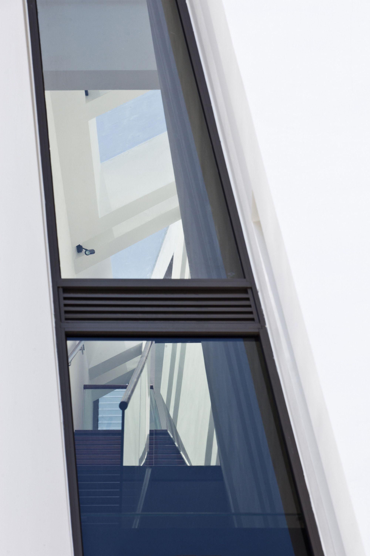 Gallery of Folding Wall House / NHA DAN ARCHITECT - 6