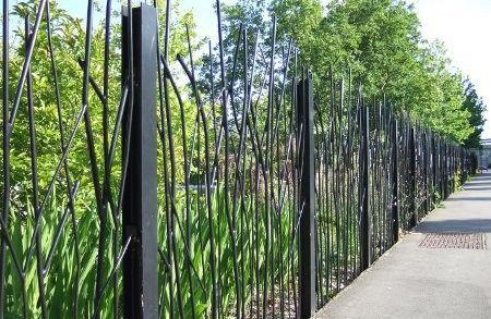 grilles m talliques du parc les g ants jardin pinterest jardins palissade et ext rieur. Black Bedroom Furniture Sets. Home Design Ideas