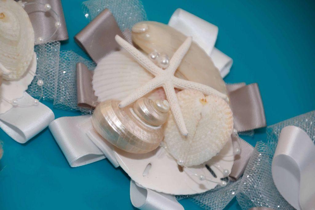 Mothers seashell wristlets for beach wedding