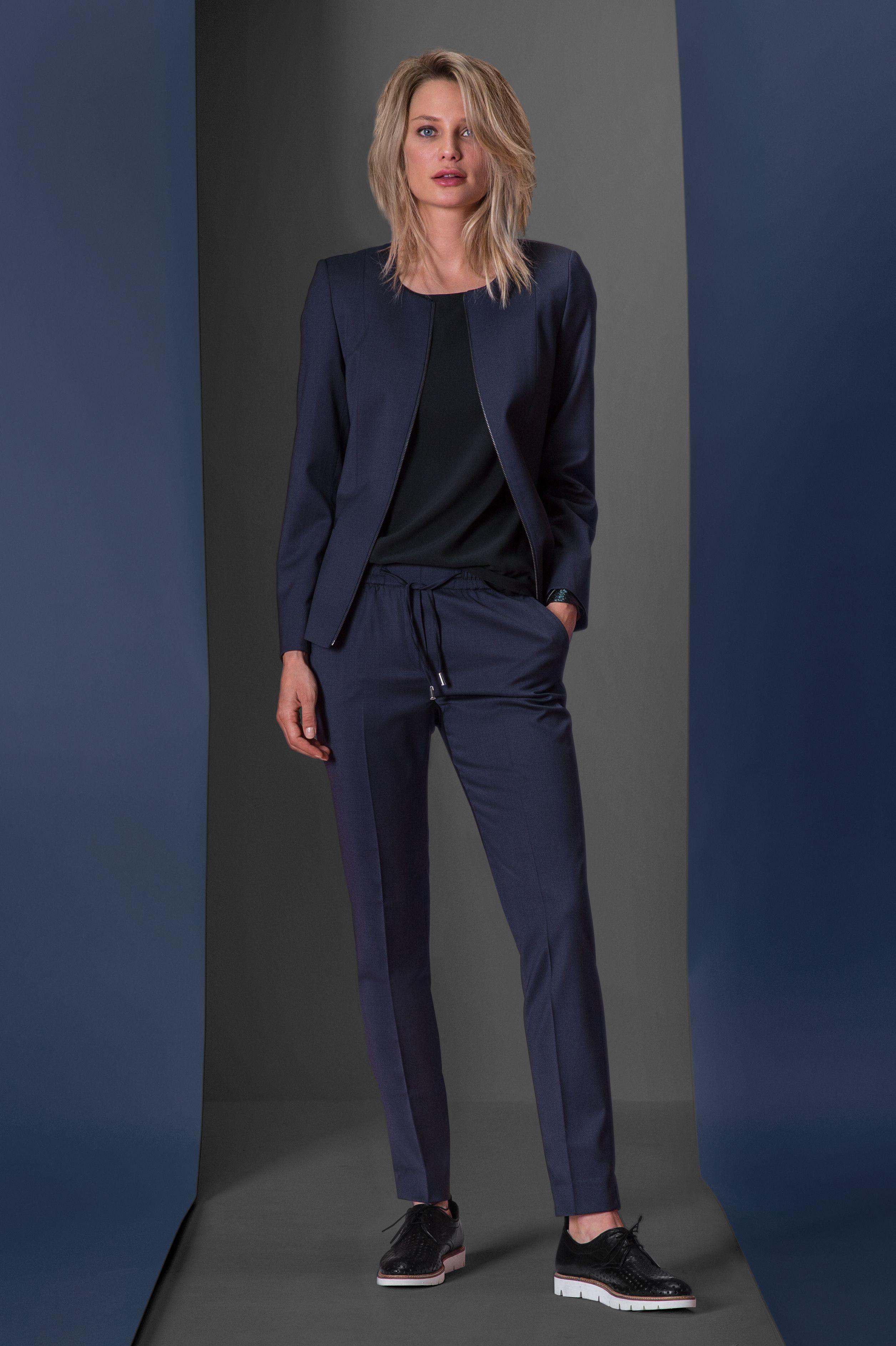 COLLECTION 2019/20 - Women business look - blazer
