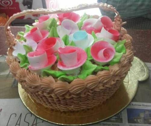 Order 1kg Vanilla Basket Cake