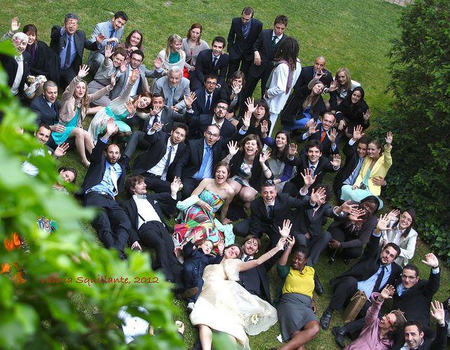 Matrimoni - cascata di sorrisi e di mani   © Valeria Squillante