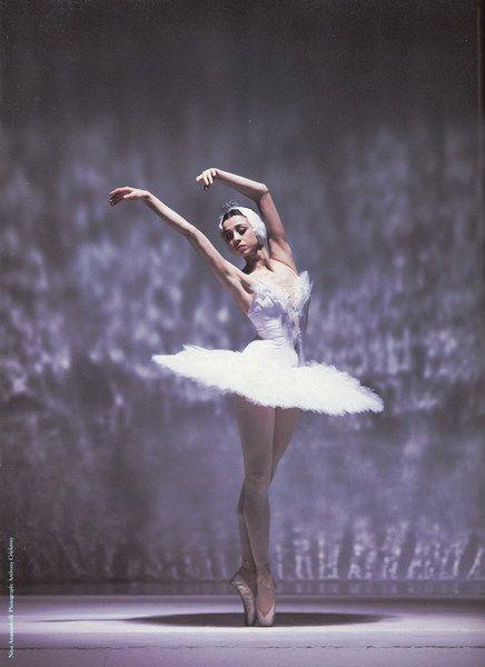 Nina Ananiashvili   b. 1964   Bolshoi Ballet