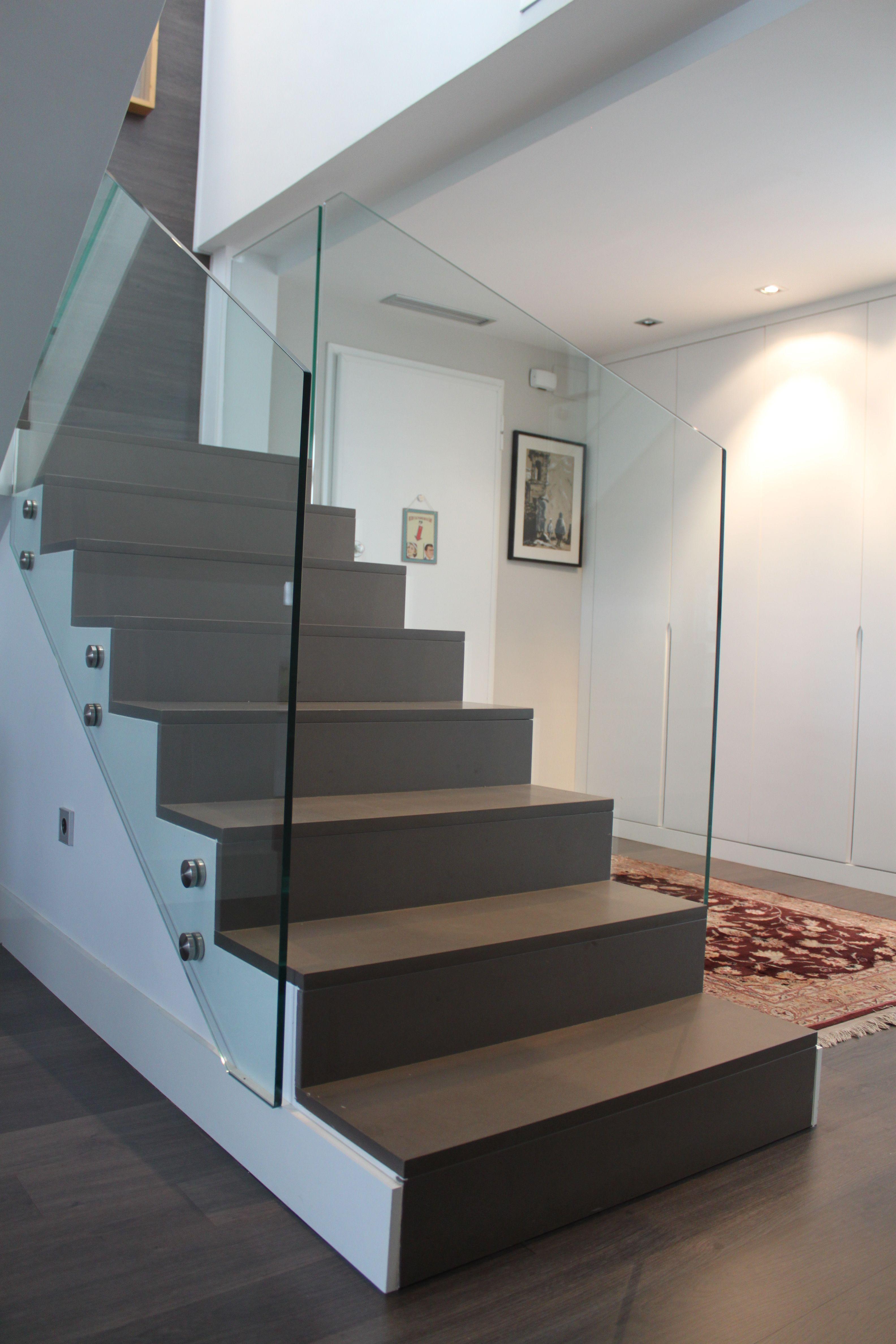 Escalera dise o vivienda tico duplex construcci n obra - Duplex de diseno ...