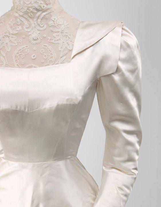 balenciaga - novias vestido de novia en satén de color marfil 1945