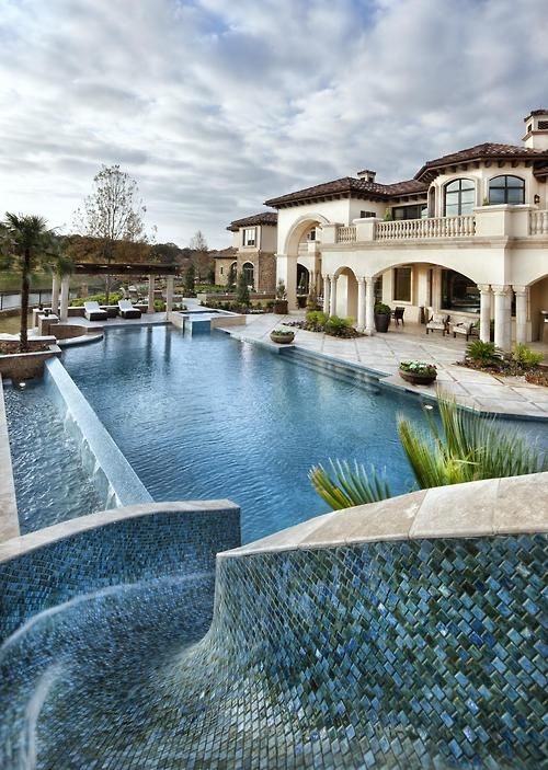 Amazing Home With Huge Pool And Water Slide Amazing Swimming Pools Dream Pools Mansions