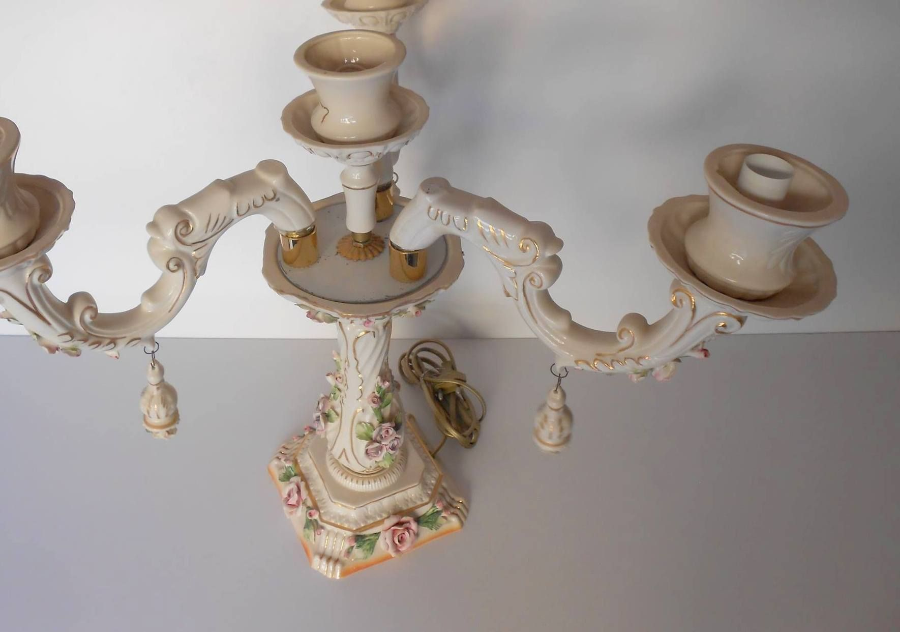 Fabbrica Lampadari e Lampade in porcellana di Capodimonte a Napoli