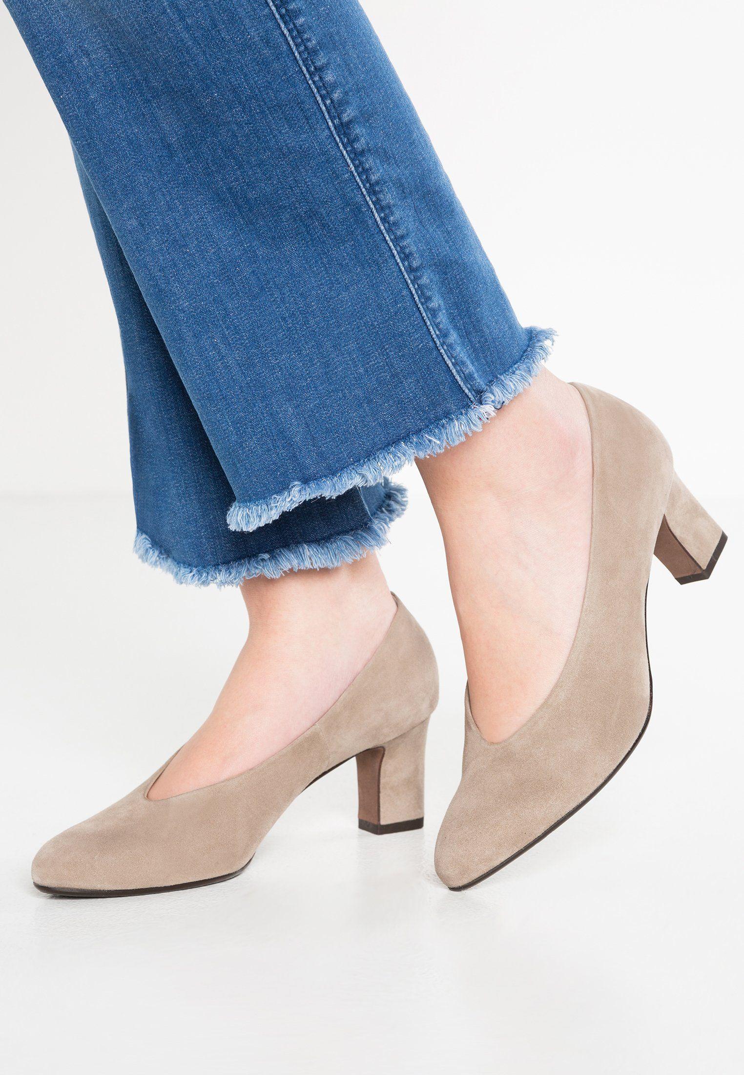 d99495f1d926 Peter Kaiser MAHIRELLA - Classic heels - taupe - Zalando.co.uk ...