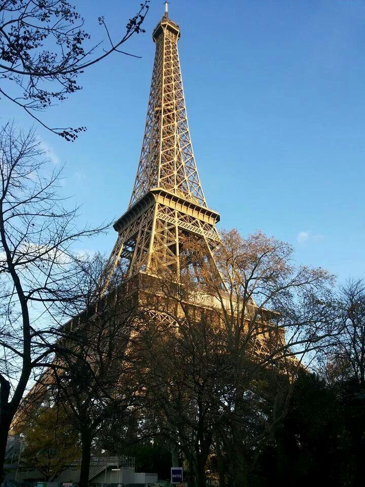 Paris. Torre Eiffel.