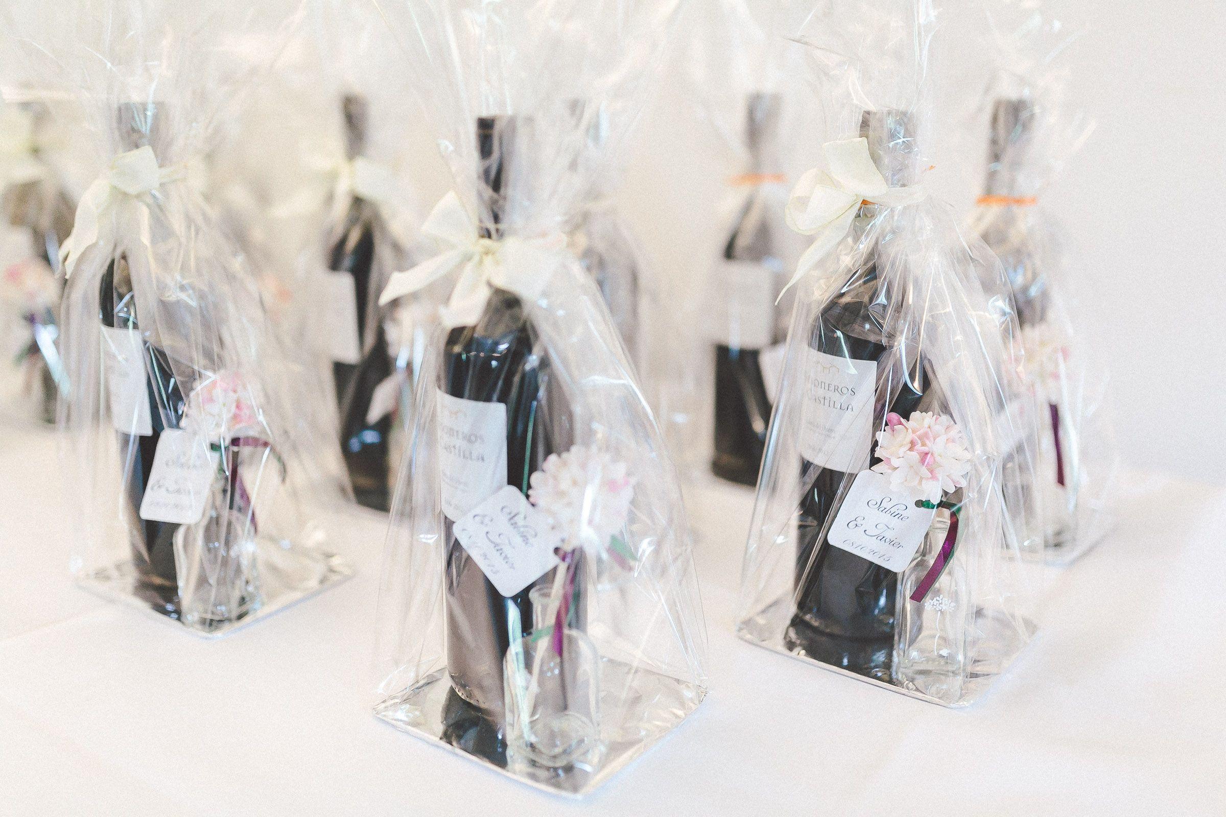 25 best regalar vino ideas on pinterest pieza central - Botellas de vino decoradas ...