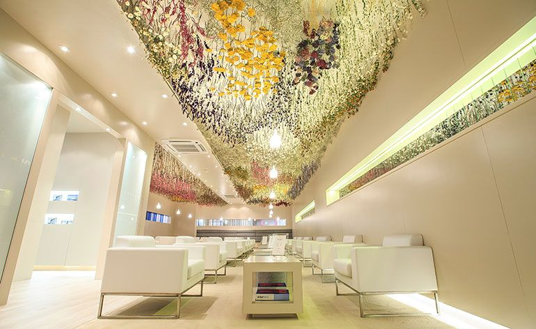 Private jet enterprise NetJets enlisted British artist Rebecca Louise Law to create an installation for their Collectors' Lounge during Art Basel. Unveiled earlier this week, Law's Growth installation is suspended from the lounge's ceiling, featu...