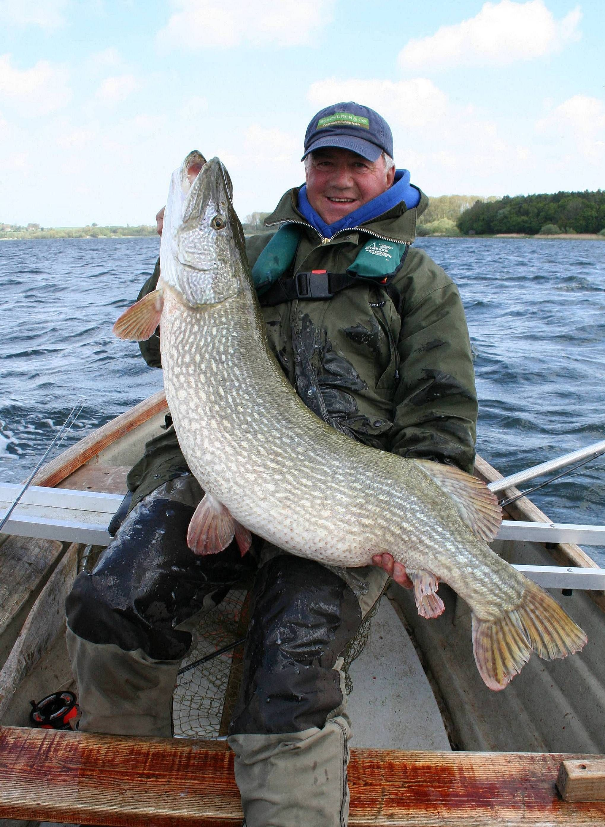 Dad 39 s 40lb fly caught pike from chew valley reservoir for Pike fly fishing
