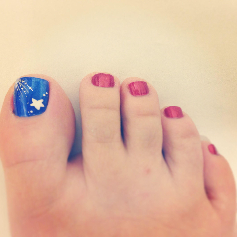 Pin By Kiandra Rivera On Nails Toe Nail Designs 4th Of July Nails July Nails