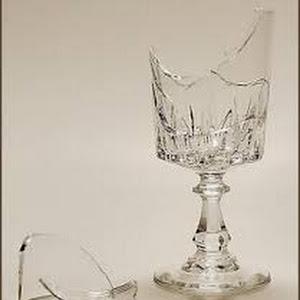 تفسير رؤية حلم الكوب المكسور في المنام للعصيمي Coupe Glass Glass Champagne Coupes