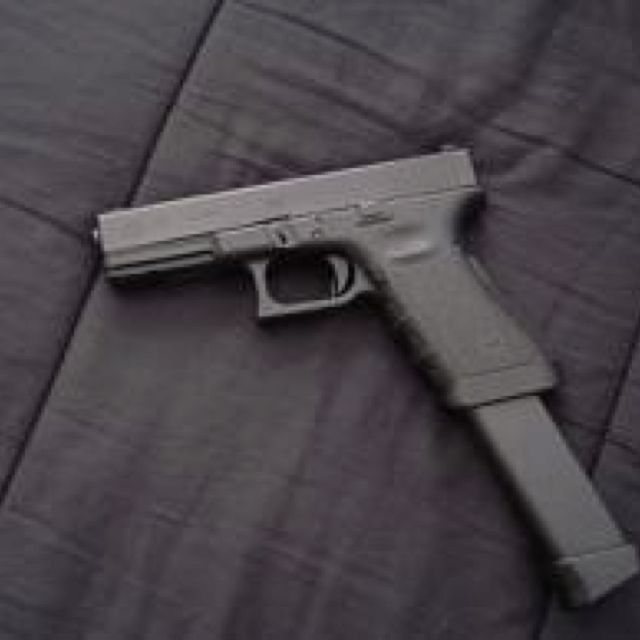Fully Auto Glock 18 W Extended Clip The Arsenal Pinterest