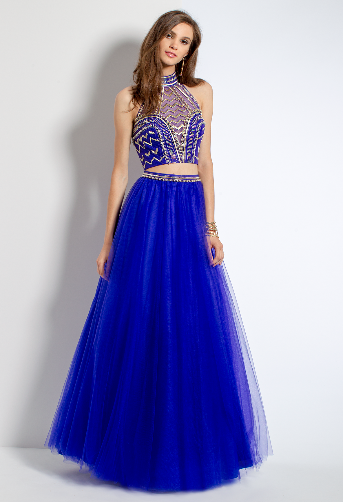 Look positively regal in this luxurious evening dress with its