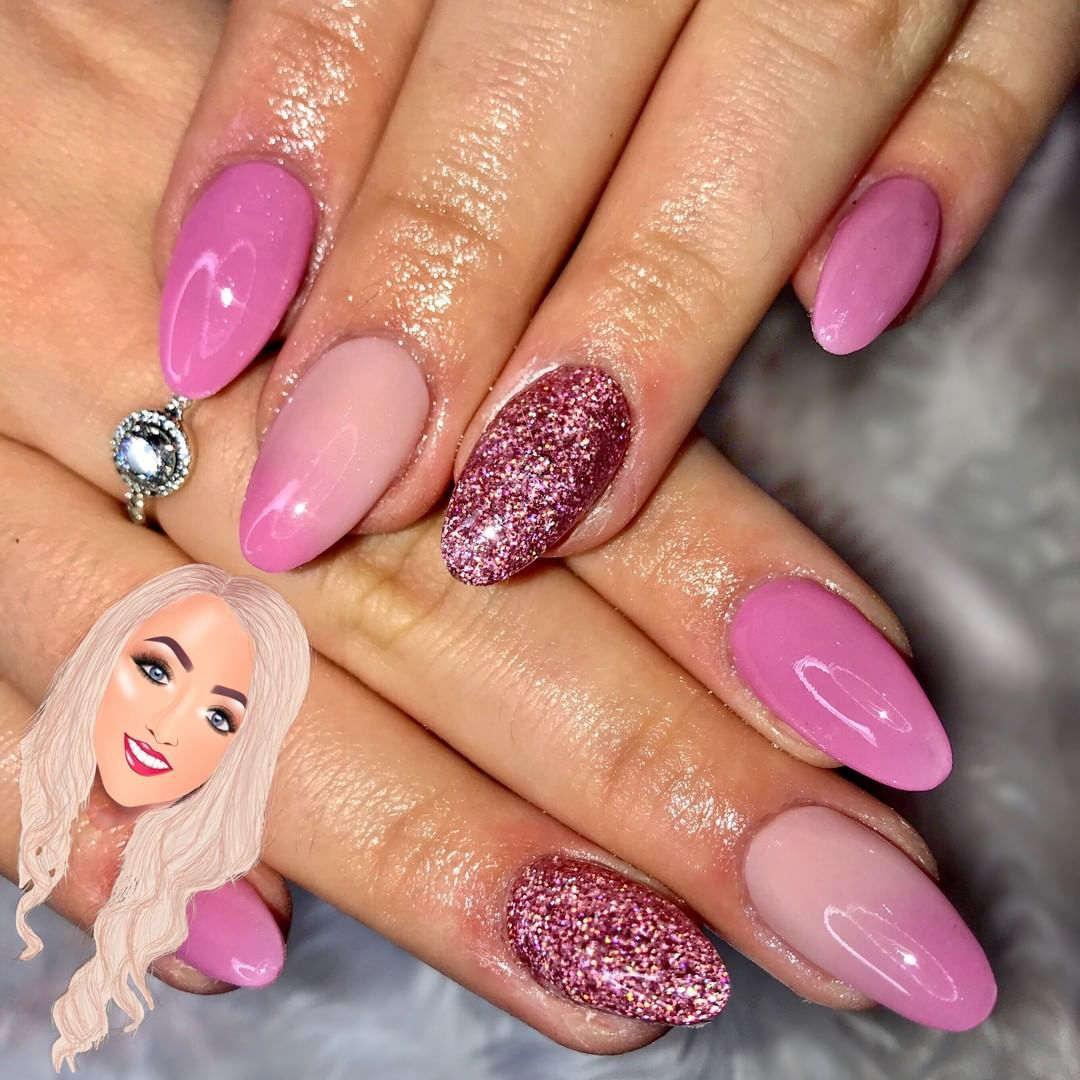 On Wednesdays We Wear Pink Full Set Price 28 Infill Price 25 Time 1 Hour 30 Mins Method Desig Nails Acrylic Nails Beauty Nails