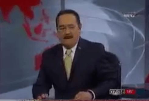 Oh dios santísimo, muchas gracias por tanto que nos das. Se llama Marcos Martínez Soriano, es un conductor de noticias en el bonito estado de Coahuila y no hay mucho más que decir.