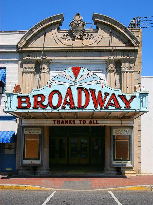 2fac741f0e1b1ff747d3e77d9bd08d52 - The Mills At Jersey Gardens Movie Theater