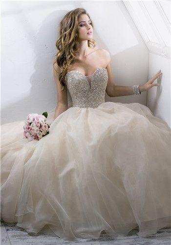 Abiti Da Sposa Tumblr.Tumblr Con Immagini Abiti Da Sposa Vestiti Da Cerimonia