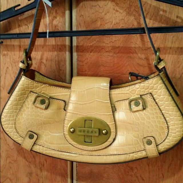 Buy Guess Leather Shoulder Bag in Naga,Philippines. Get great deals on Women s  Bags 8a46b76d728