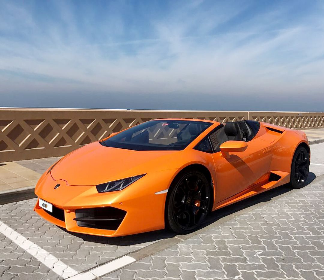 Drive the Huracan Spyder in Dubai 😎🇦🇪 for only