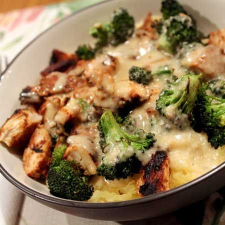 Skinny Chicken & Broccoli Alfredo. Made with greek yogurt and olive oil (instead of cream and butter).