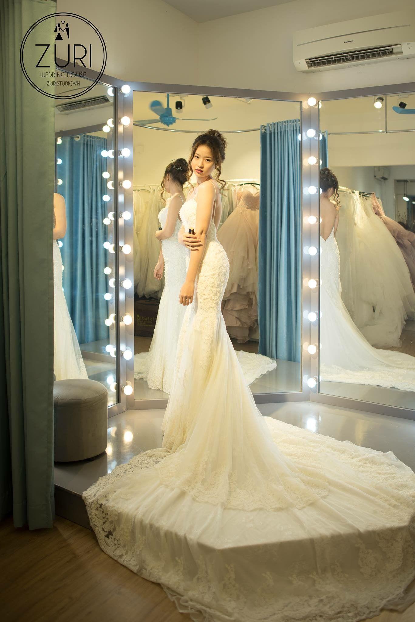 Trang Tri Cua Hang Bridal Showroom Bridal Shop Ideas Wedding Dress Store