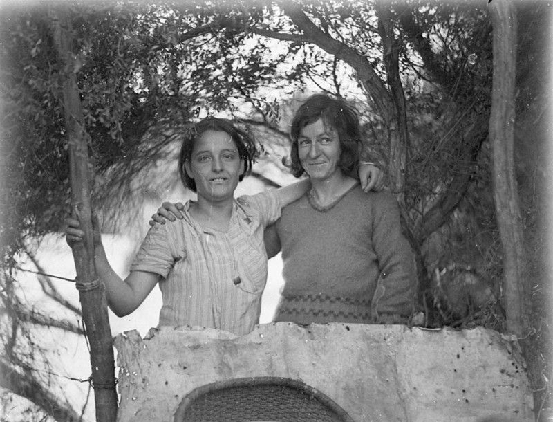 Two Women At Happy Valley La Perouse 1930s In 1932 Happy Valley