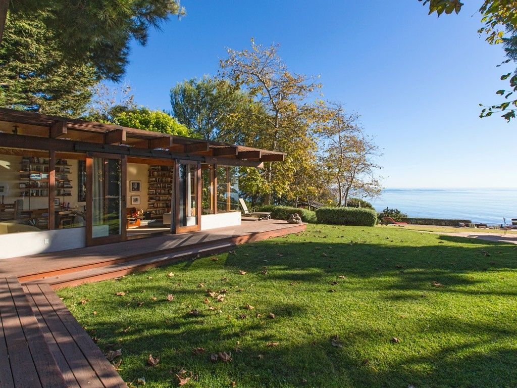 Malibu Vacation Rental Vrbo 447744 4 Br Los Angeles County Estate In Ca A Luxurious Artist S Retreat House Styles House Design Mansions