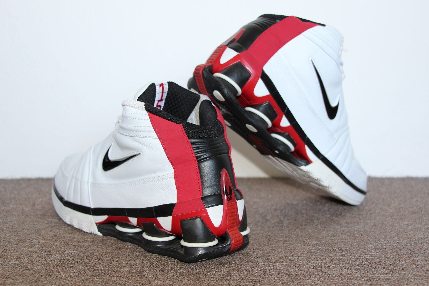 reputable site 46966 ece8d Nike Shox Vince Carter IV 2004 (White Black – Varsity Red)