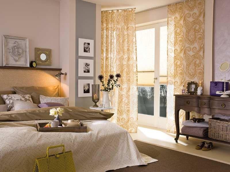 schlafzimmer mit viel gold, creme, grau und violett - schlafzimmer