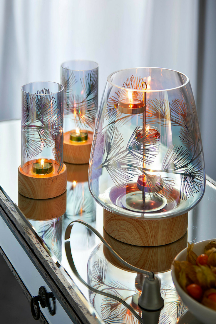 Wrap Yourself In Comfort With Simply Stunning Colors And Scents Seen Here Lustrous Pine Hurricane And Tealight Holders Tea Lights Partylite Tea Light Holder