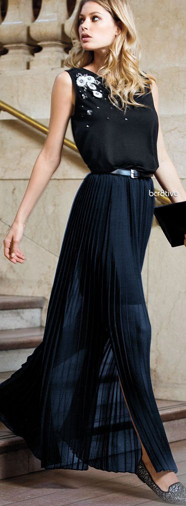 Victoria Secret Pleated Maxi Skirt - Fashion Jot- Latest Trends of Fashion