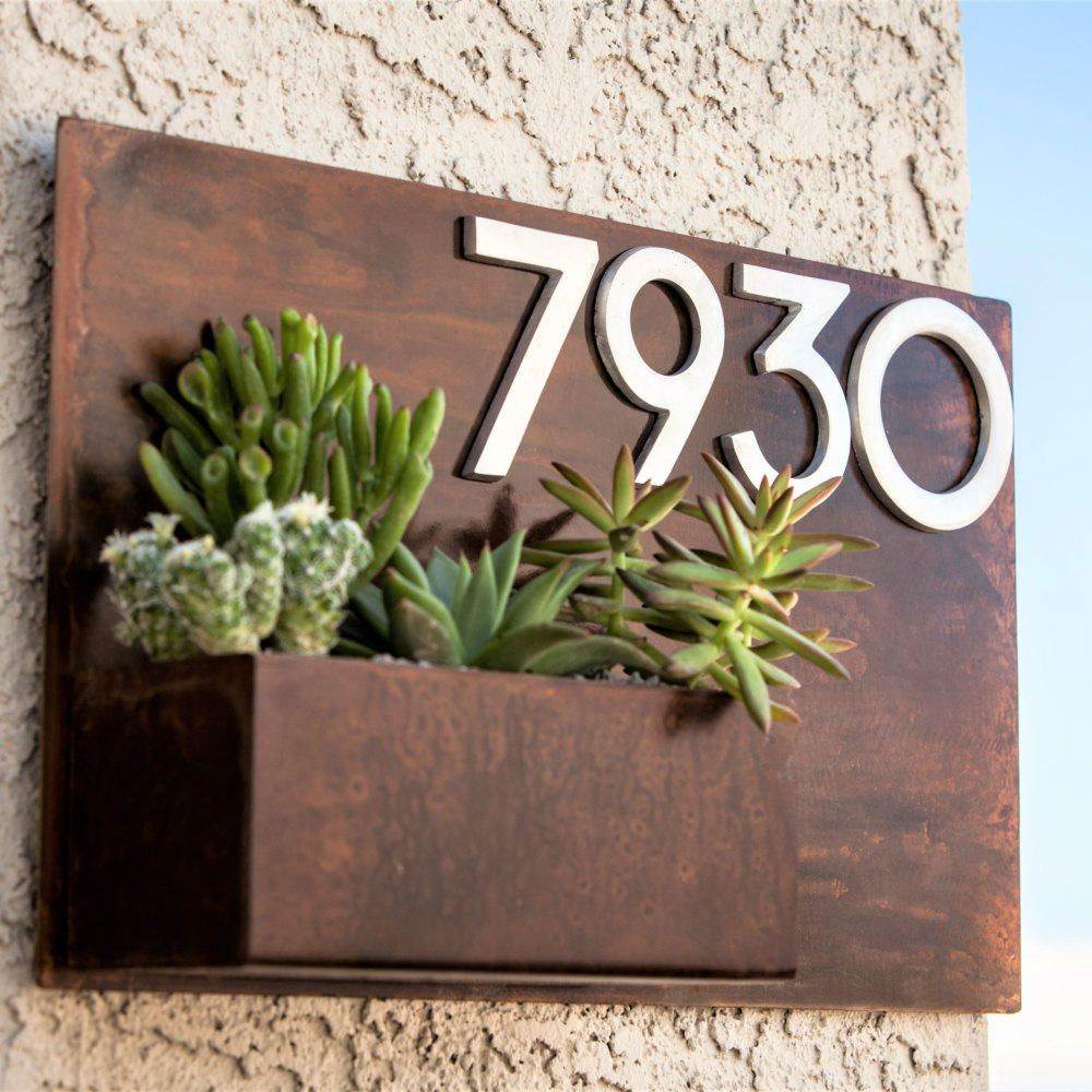 Home-accessories-trends-2019-house-number-planters