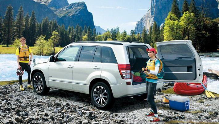 2013 Suzuki Grand Vitara White Grand Vitara Suzuki Chevrolet