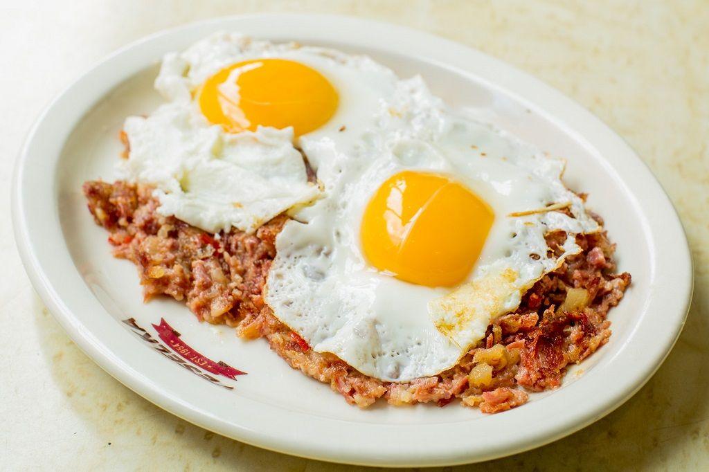 Veselka cornbeef and eggs
