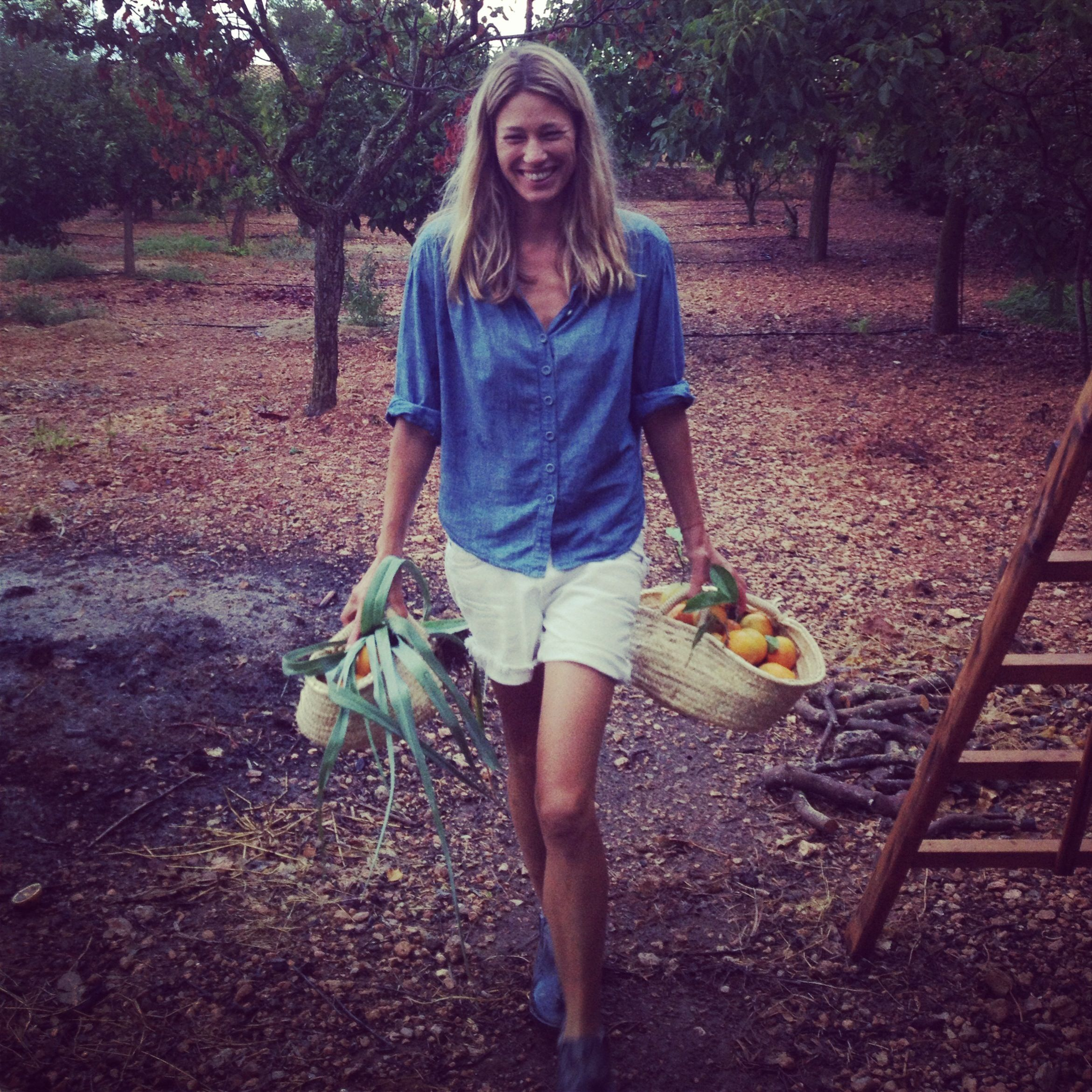 Www Stonefoxbride Com I Want To Work On A Farm This Summer Woofing Style Photoshoot Inspiration Clothes