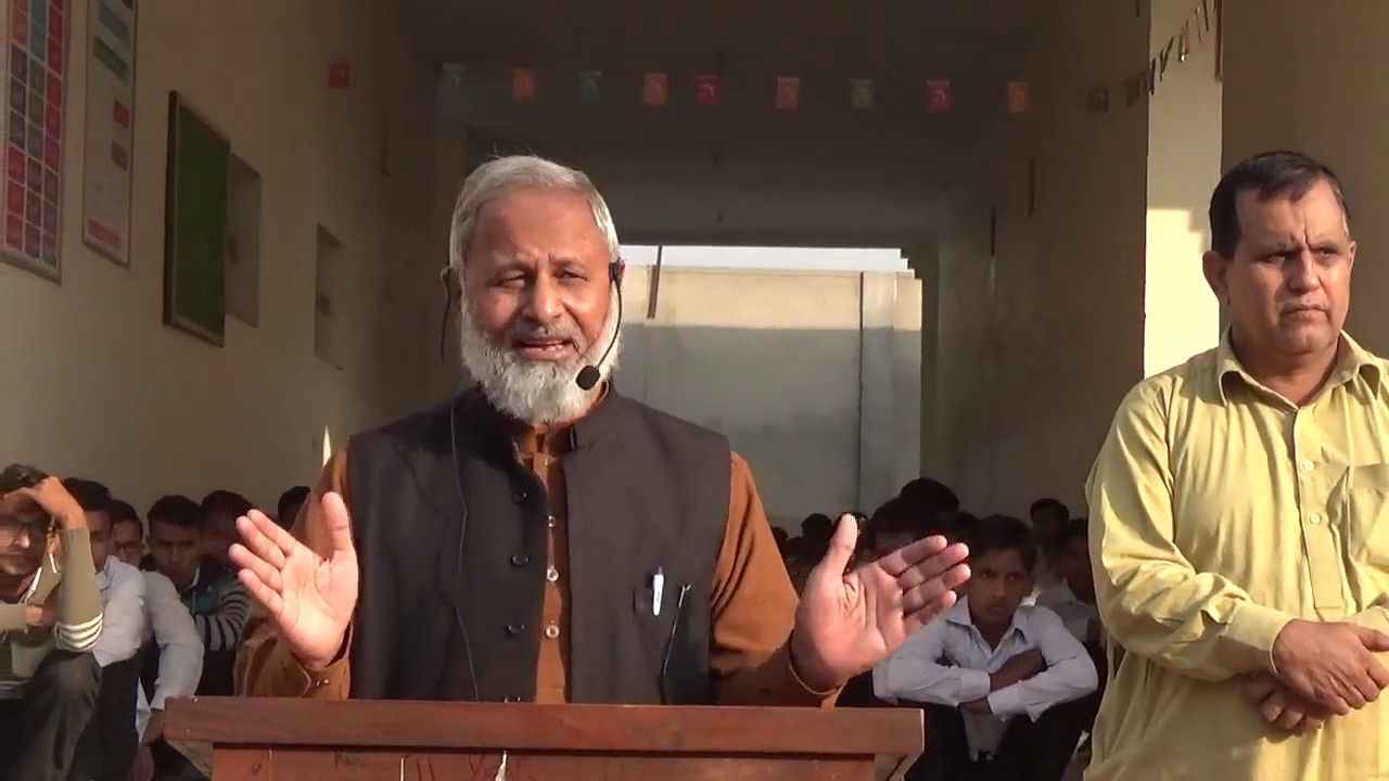 Assembly Speech By Ishtiaq Ahmad 3 12 2018 دس ہزار کا موبائل لے کر دو Mirror Selfie Selfie Scenes
