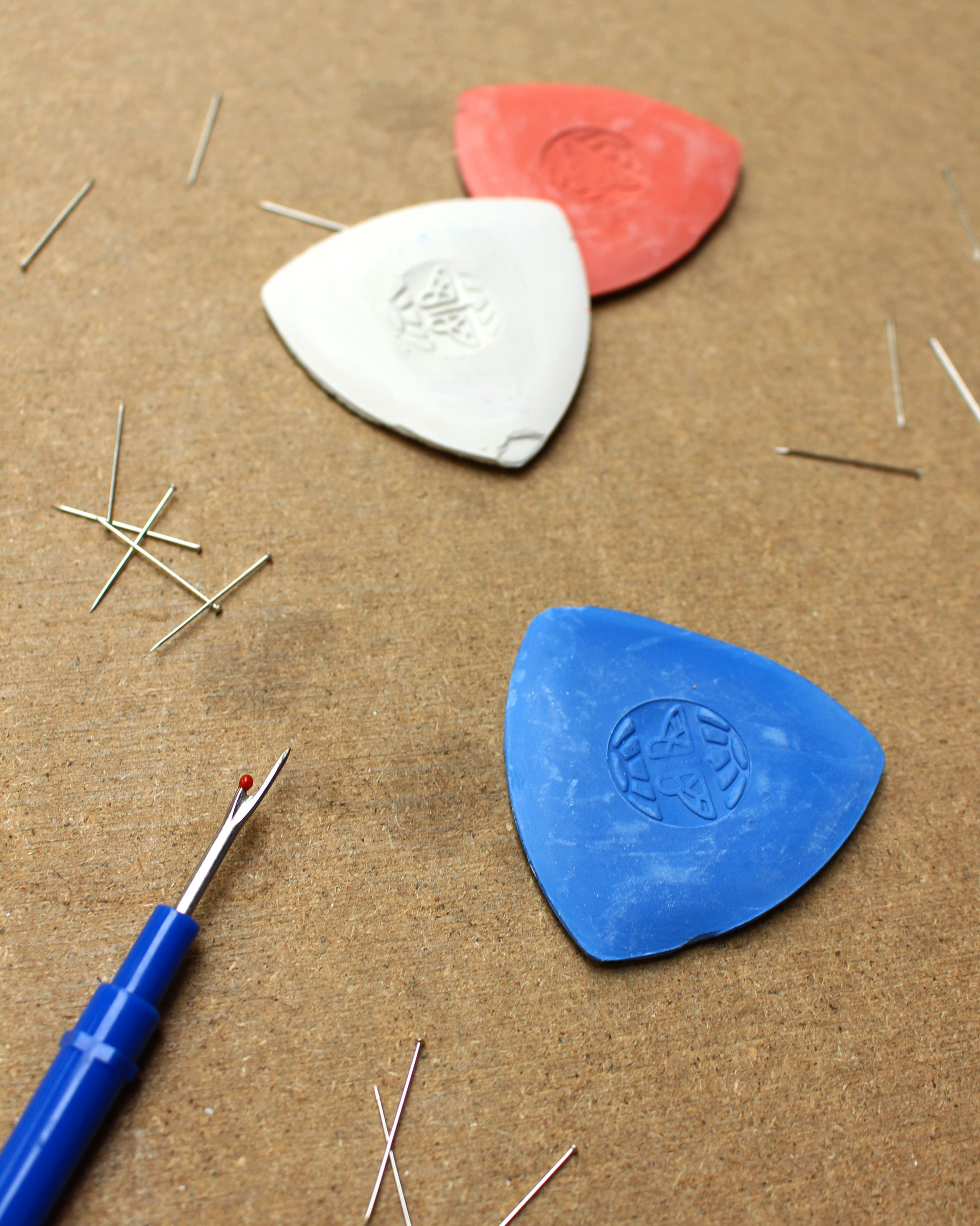 Claybased Triangular Tablet Markers in 3 Colours Hemline Tailors Chalk